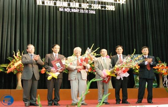 BGH dau tien Truong DHCN
