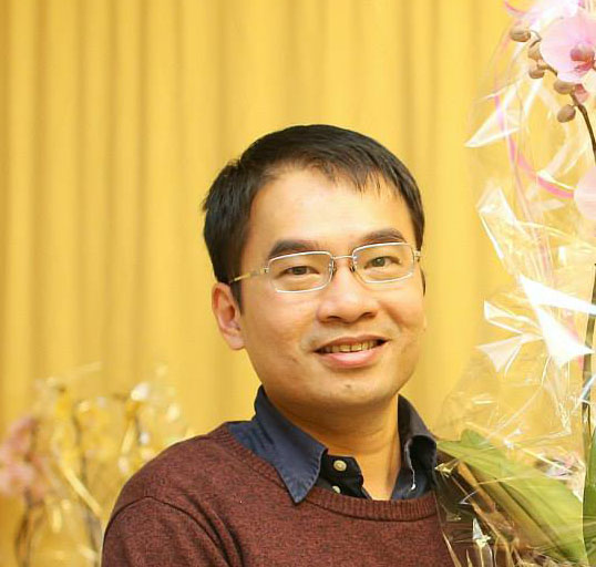 """TS. Bùi Quang Minh sử dụng chương trình máy tính """"ModelFinder"""" so sánh dữ liệu gen"""
