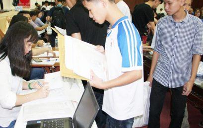Tân sinh viên K62 ngày đầu tiên nhập học